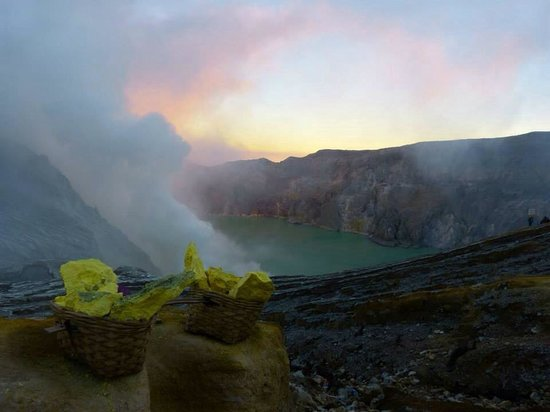 ‪‪Indoparadiso - Day Tours‬: At the great ijen vulcano‬