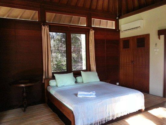 The Lodge @ Belongas Bay: The Room