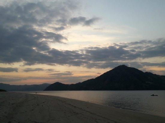 The Lodge @ Belongas Bay: Beach view