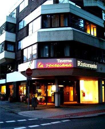 La Veneziana Ristorante Taverna: Taverna la veneziana Ristorante & serviced apartments