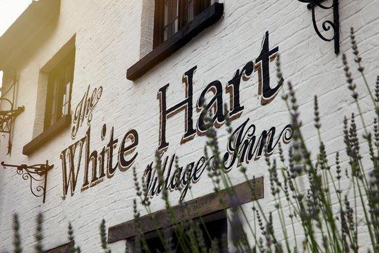 White Hart Village Inn: Front of the Pub