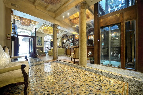 Santa Marta Suites: La hall