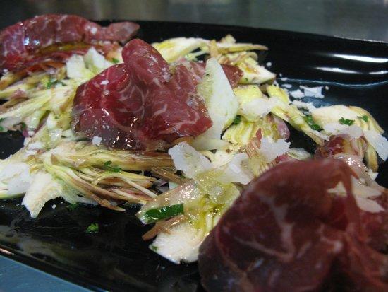 Le Flacon: salade d'artichaut cru et cecina