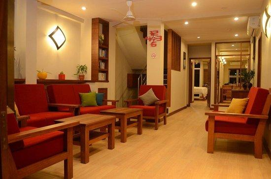 Maakanaa Lodge: Lobby