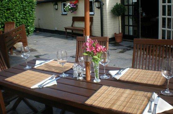 The Partridge Inn: Dining outside