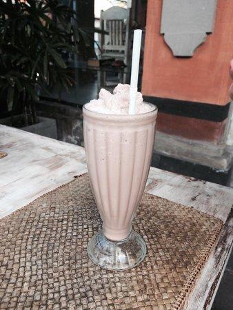 Cafe Asia: Milkshake