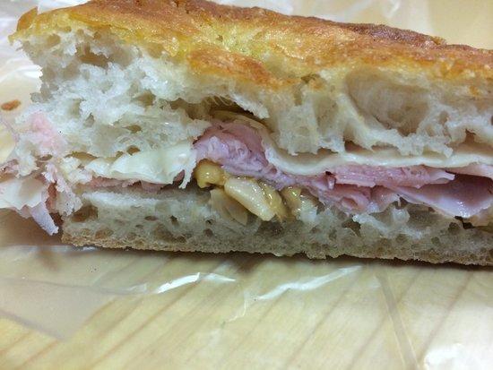 PassaGuai: Ham cheese and mushroom