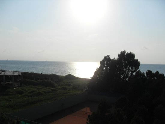 Hotel Dreamland Oasis: View in the evening from beach