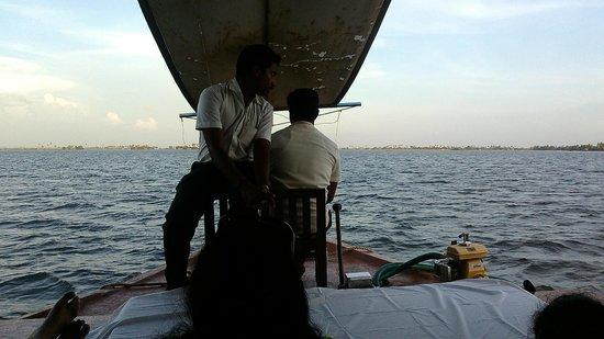 بونامادا ريزورتس: Complimentary Houseboat ride
