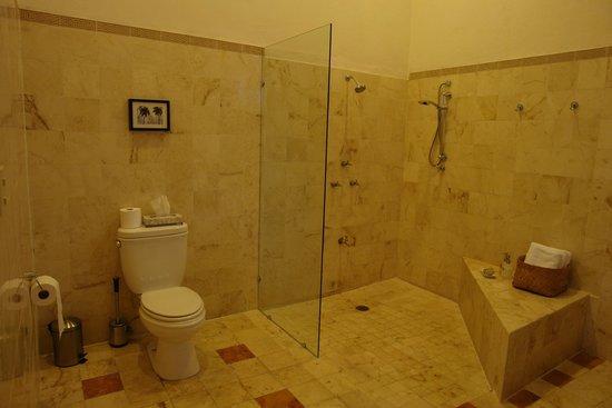 ذا ديبلومات بوتيك هوتل: Salle d'eau