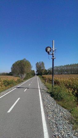 Piste Ciclabile: Tracce di vecchi segnali ferroviari