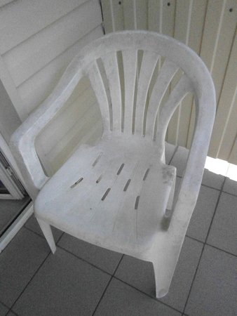 Hotel Gamma: жуткий стульчик с балкона