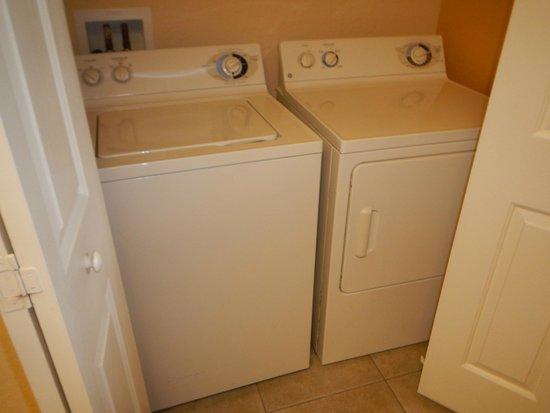 ويستجيت تاون سنتر: washer/dryer