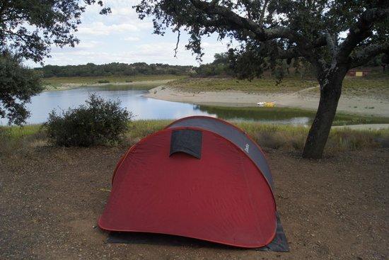 Markádia: Vista tenda / rio