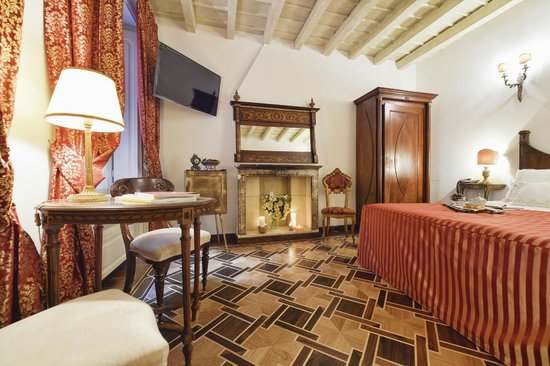 Santa Marta Suites: Room rossa