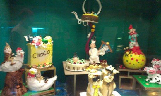 شانجري - لا هوتل - كوالالمبور: More Cakes!