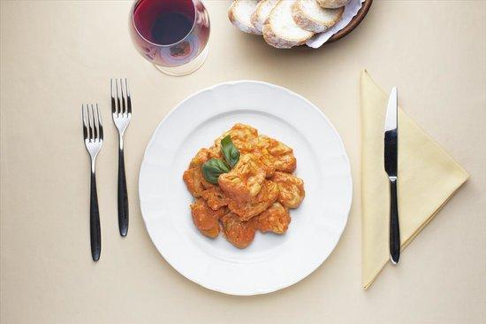 Da Giordano il Bolognese: Ravioli di magro al pomodoro