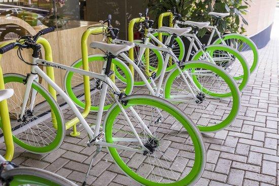 دماكس هوتل: Bicicletário
