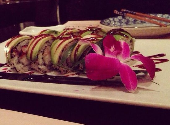 Hanami: Green Dragon Roll
