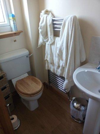 Bathroom picture of suil na mara lochinver tripadvisor for Bathroom e pod mara