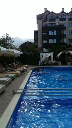 Premier Luxury Mountain Resort, Bansko : Pool area