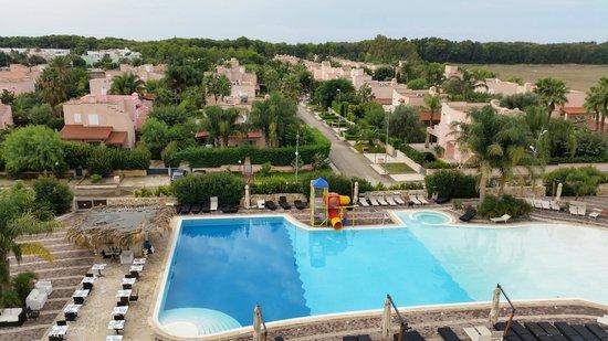 جراند هوتل دي كافاليري: Vista piscina dalla sala Colazione