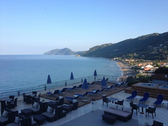 Mayor La Grotta Verde Grand Resort: view from room in the morning