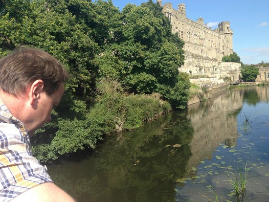 ‪‪Warwick Castle‬: Ash admiring the water at Warwick Castle‬