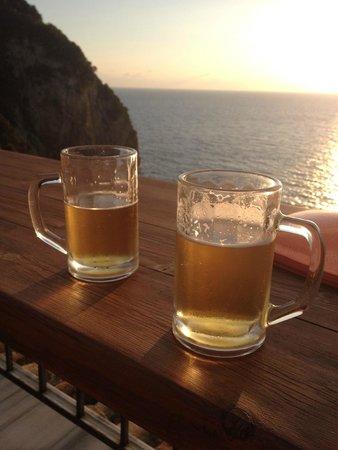 Mayor La Grotta Verde Grand Resort: beers on the roof terrace