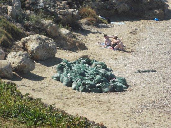 أمفورا هوتل آند سويتس: Very poor beach