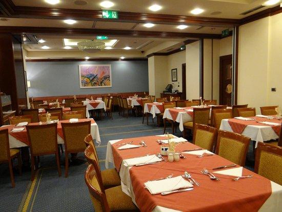 بست ويسترن بريمير هوتل أستوريا: Salle à manger