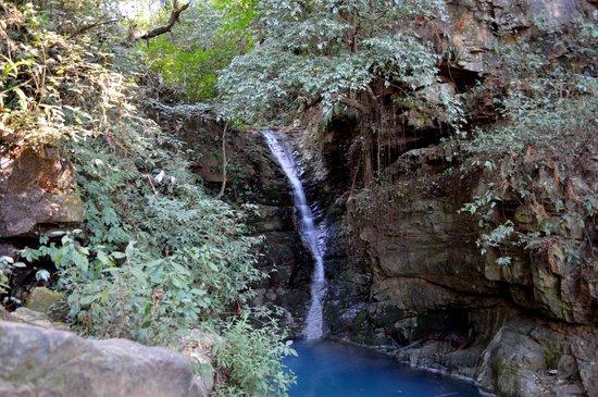 Crinoline Falls