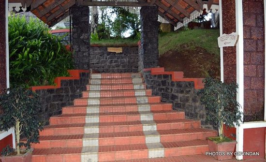 Porcupine Castle Resort: Entrance to lobby