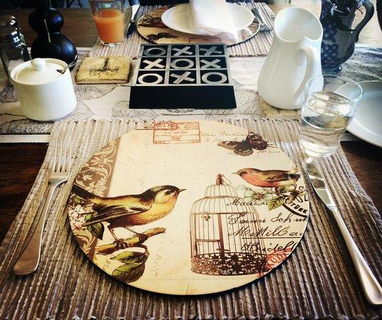 Captains Retreat: Lovely breakfast setting