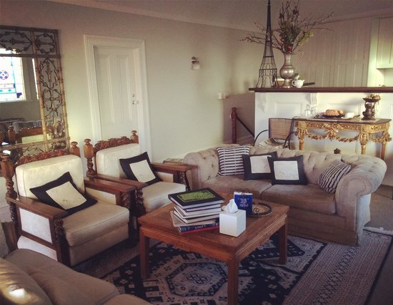 Captains Retreat : The comfy and classy guest lounge