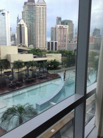 فيرمونت ماكاتي مانيلا: pool view