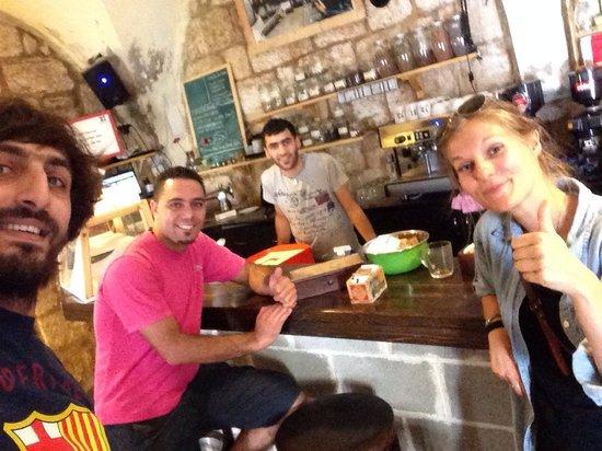 Singer Cafe: Selfie at singer