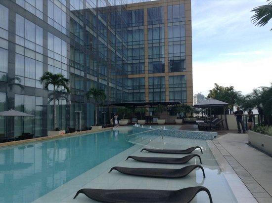 Swimming Pool Picture Of Fairmont Makati Makati Tripadvisor