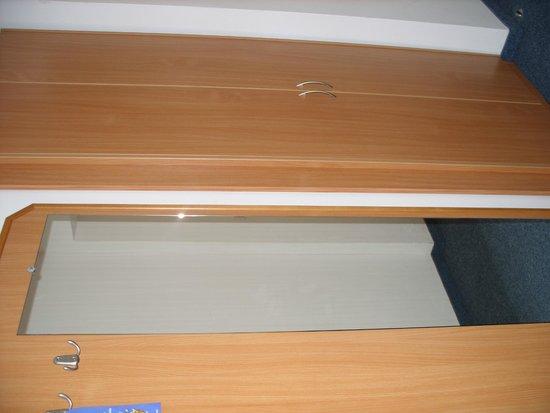 EA Hotel Tosca: room inside