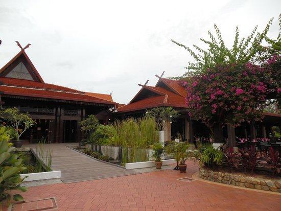 ميريتوس بيلانجي بيتش ريزورت آند سبا، لانجكاوي: Hotel