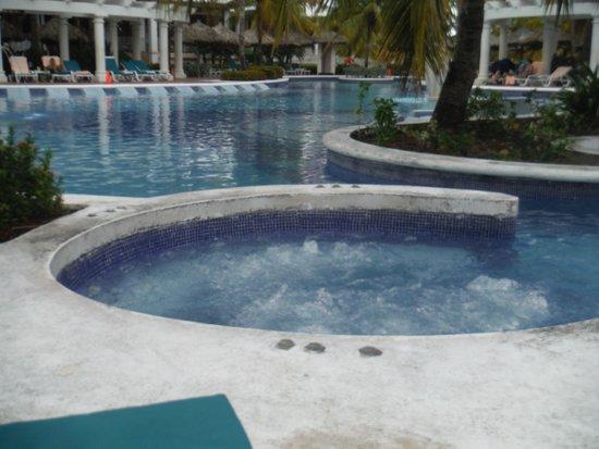 ريو أوكو ريوس أول إنكلوسيف: pool area