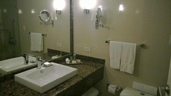هيلتون قرطاجنة: Área de lavamanos