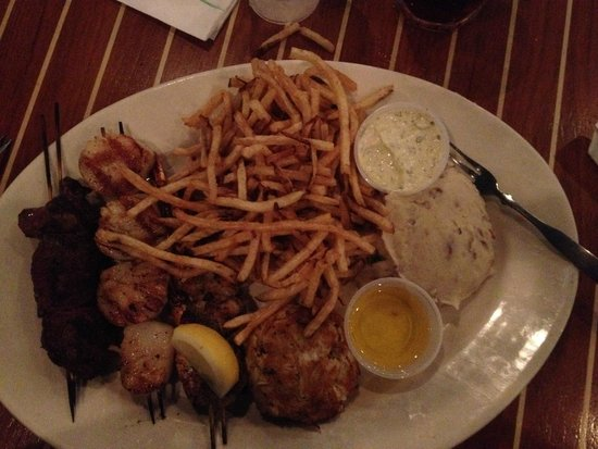 Big Fish Grill: Ultimate Combo Platter! Worth every penny!