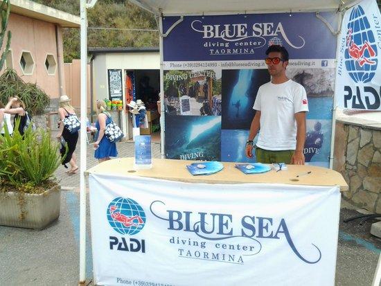 Blue Sea Diving Center: info desk