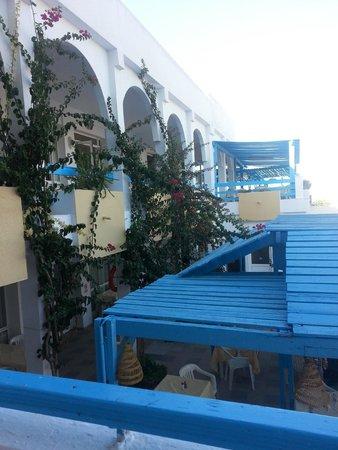 المرادي كلوب سليمة: terasa restorana sa pogledom na plazu