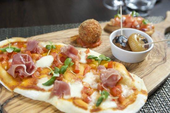 Macdonald Holyrood Hotel: Pizza