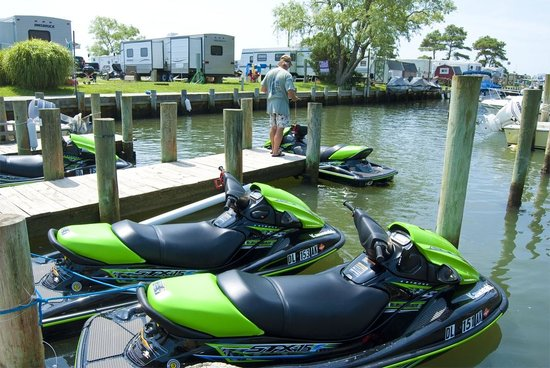 ‪‪Frontier Town RV Resort & Campground‬: Jet Ski Rentals at Frontier Town‬