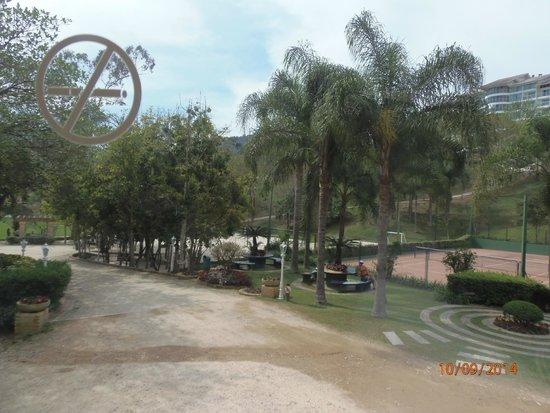 Fazzenda Park Hotel: vista desde el camino