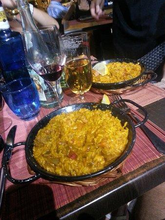 Restaurante Cinco Jotas: Paella