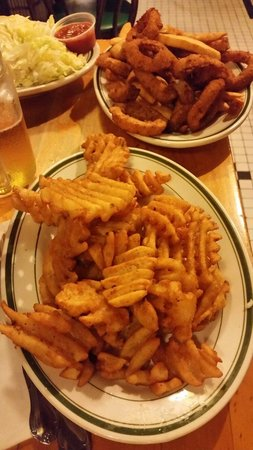 Jackson Hole Burgers: Patatine + Omino rings
